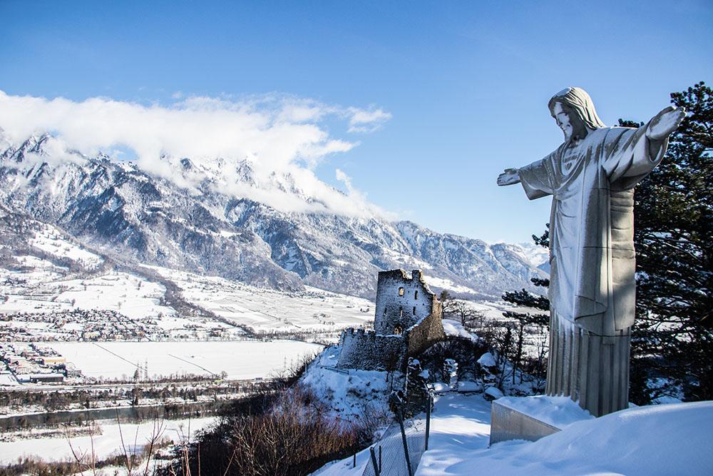18 Leuchtturm am See, Cristo am Berg