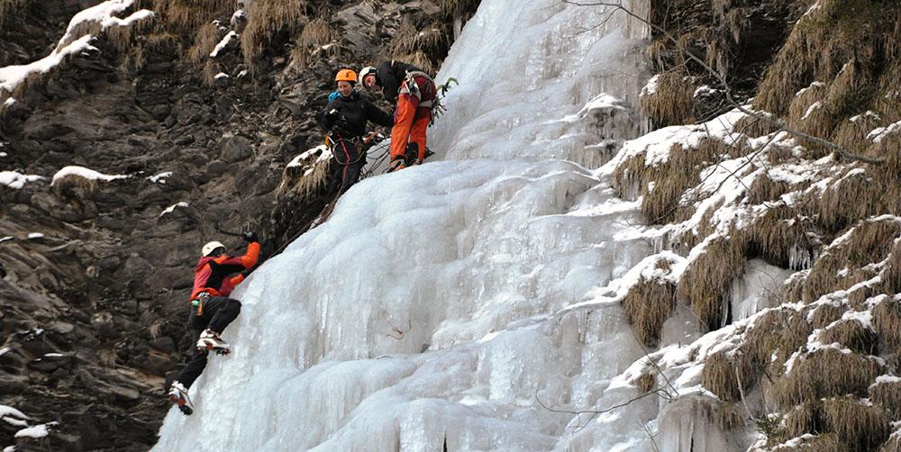 11 Eiskletterer im Weisstannental